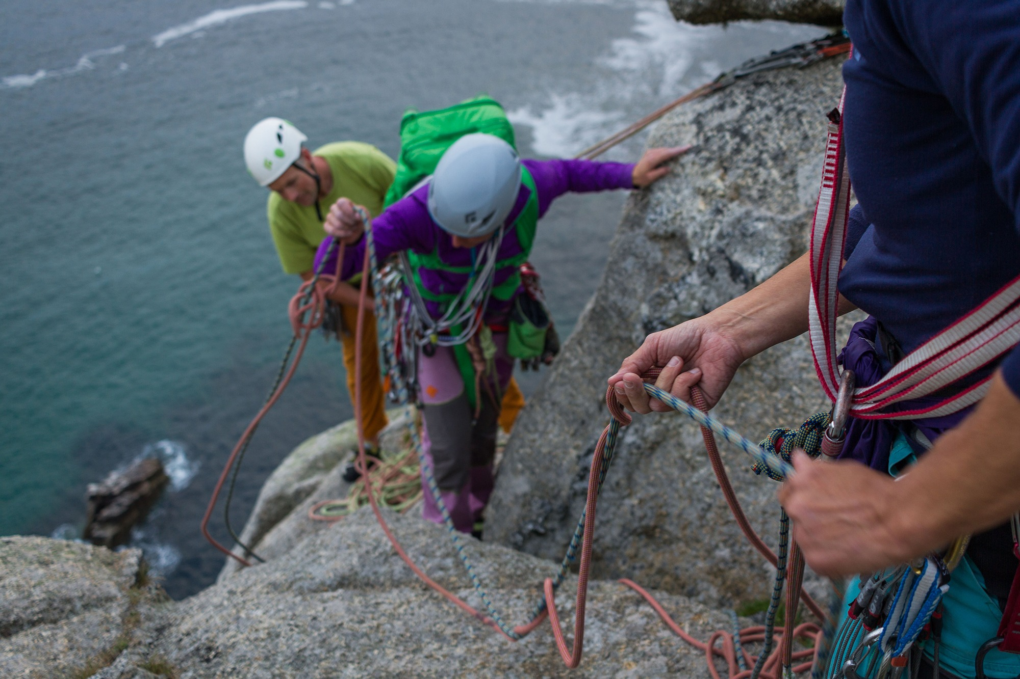 Photograph of Hilary Lawrenson sorting out the ropes, shot by Jessie Leong